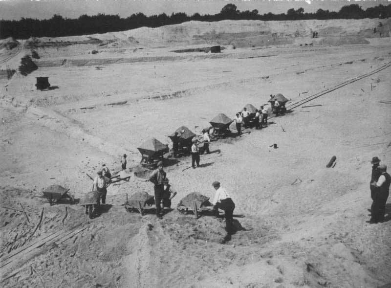 Aanleg van het Goffertpark, Nijmegen 1937. Bron: http://www2.nijmegen.nl/wonen/oudste_stad/Archief