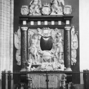 Het Witte de With-monument in de St. Laurenskerk in Rotterdam. bron: wikimedia.org