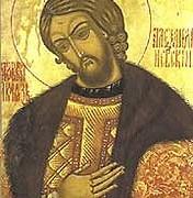 De heilige Nevsky wordt in Rusland als de stichter van het Russische Rijk gezien. Je komt zijn beeld dan ook overal tegen, zowel binnen als buiten de kerken. (bron: wikimedia commons)