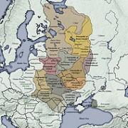 Het Kievse Rijk ('het land van Rus') strekte zich op zijn hoogtepunt in de elfde en twaalfde eeuw uit van de Zwarte Zee tot het huidige St. Petersburg en Moskou.  wikimedia commons