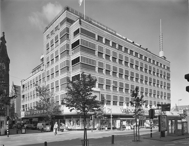 De V&D aan de Grote Houtstraat in Haarlem, 1993. Bron: wikimedia.