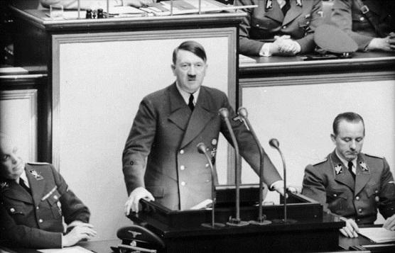 Een van Hitler's grote talenten was het geven van toespraken. (bron: Wikimedia Commons).