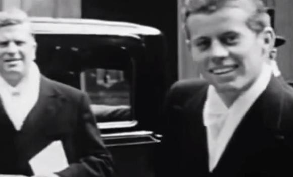 De jonge John F. Kennedy rond de tijd dat hij Europa bezocht (1939) (bron: YouTube)