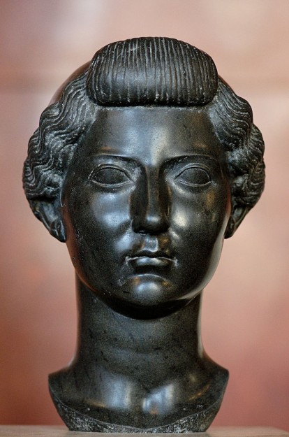 Livia Drusilla, 31 v.Chr, buste van Egyptisch Basalt, Louvre Parijs (wikipedia CCBYSA)