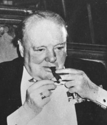 Churchill met sigaar. Bron: wikimedia.