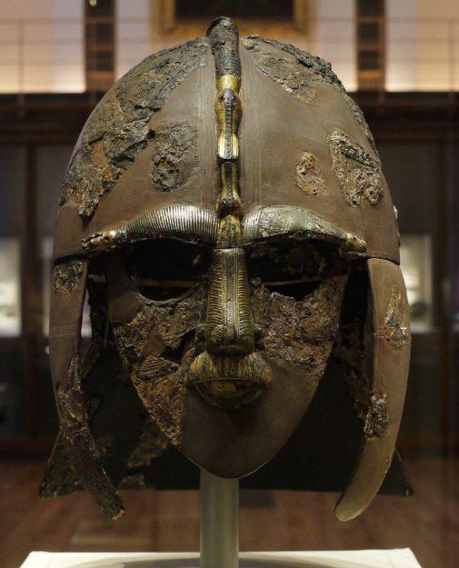 De helm van Sutton Hoo is het icoon van Angelsaksisch Engeland. Was Redwald degene die het droeg? De helm is te zien in het British Museum in Londen. Bron: wikimedia.