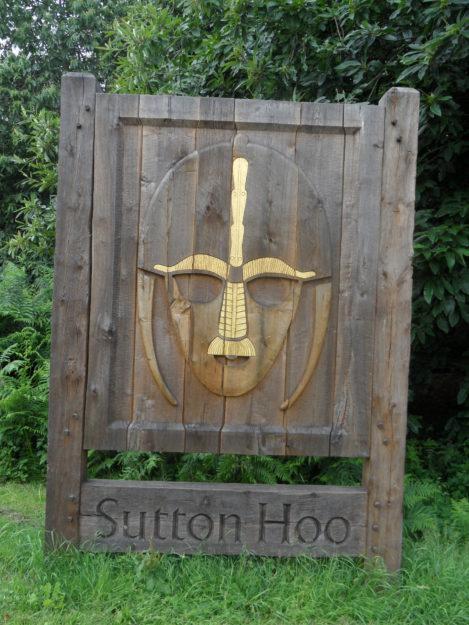 Bord bij toegang van de site van Sutton Hoo. Foto auteur.